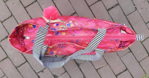 Happiness-Tasche, Shopper mit Reißverschluß. Frisch-fröhliche Farbigkeit und Puschel ´dran.