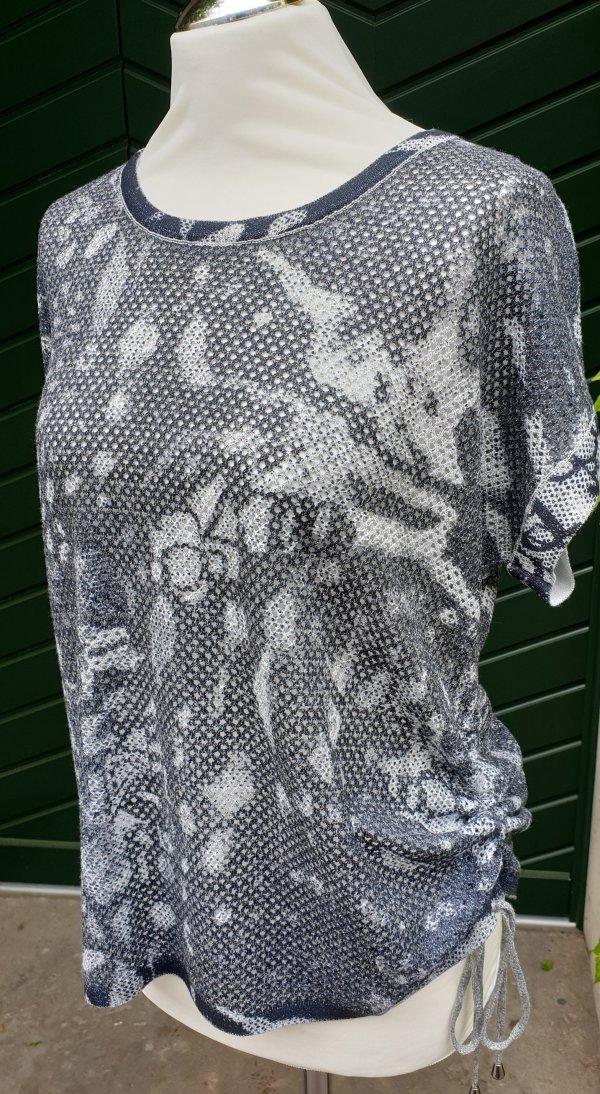 Hochwertiges leichtes Strickshirt mit Lochmuster und Muster in Grautönen. MarkeTop Secret