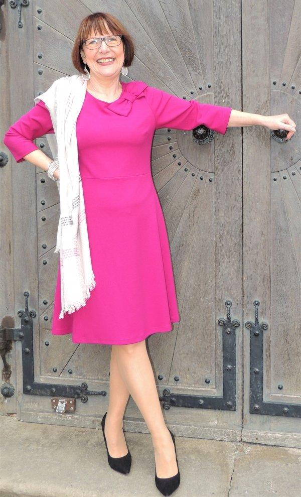 Kleid, Marke Batida. Unten ausgestellt. Pink.