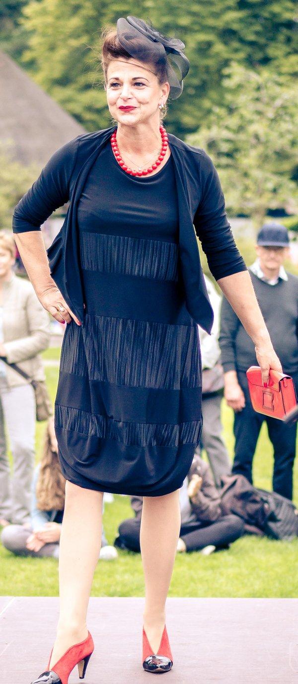 Kleid, Marke Joseph Ribkoff. Ballonform mit feinem Plissee, Grösse 44
