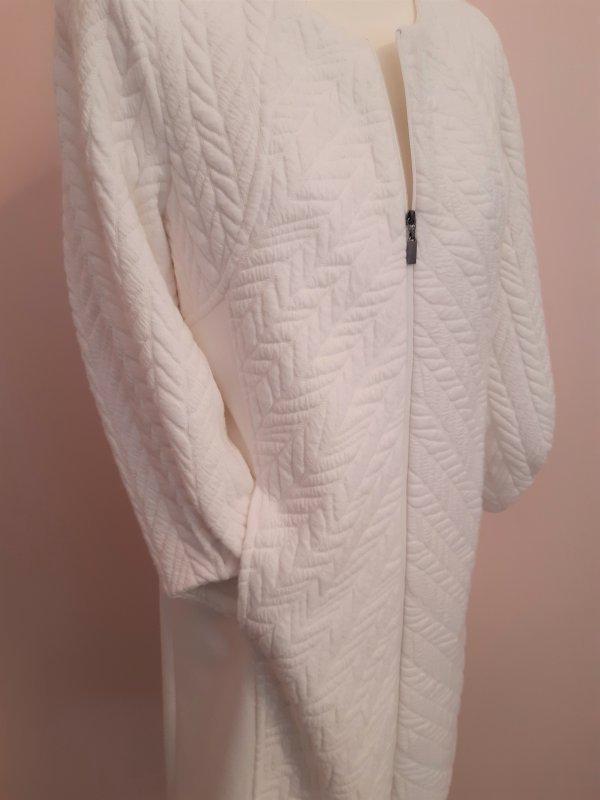 Lange Jacke bzw. Kurzmantel, Marke Piccadilly. Farbe Ecru. Durchgehender Reißverschluß