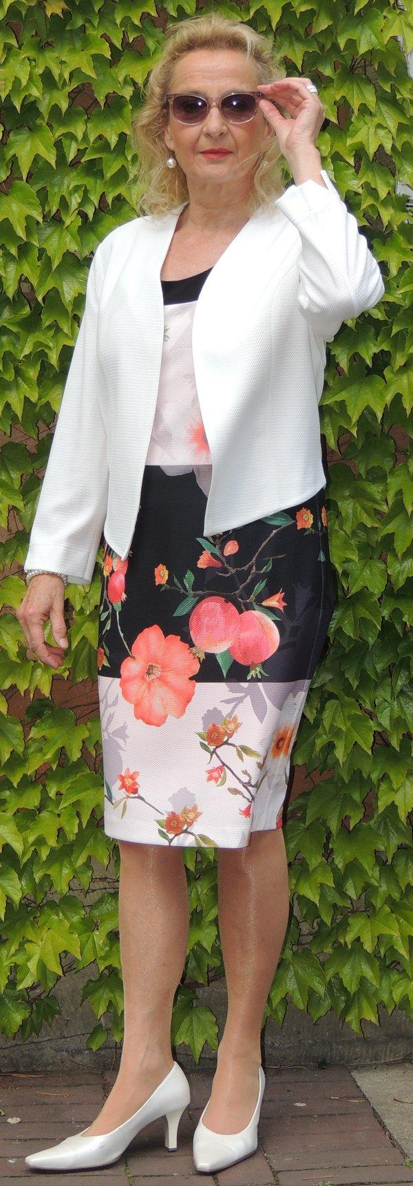 Kleid Batida, Ärmellos (die in Material und Farbe passende Bolero-Jacke auch im Shop bestellbar), Marke Batida