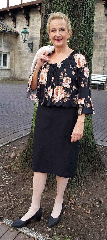 Kleid Batida mit Carmen-Ausschnitt.