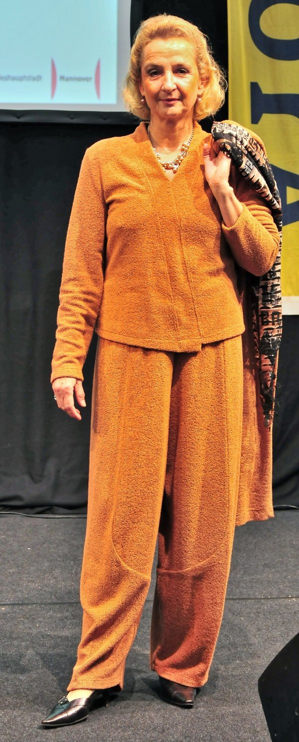 Marlenehose bzw. tulpenförmig geschnitten, Soft-Frottee-Bouclé, toll bequem,Marke Krines Berlin