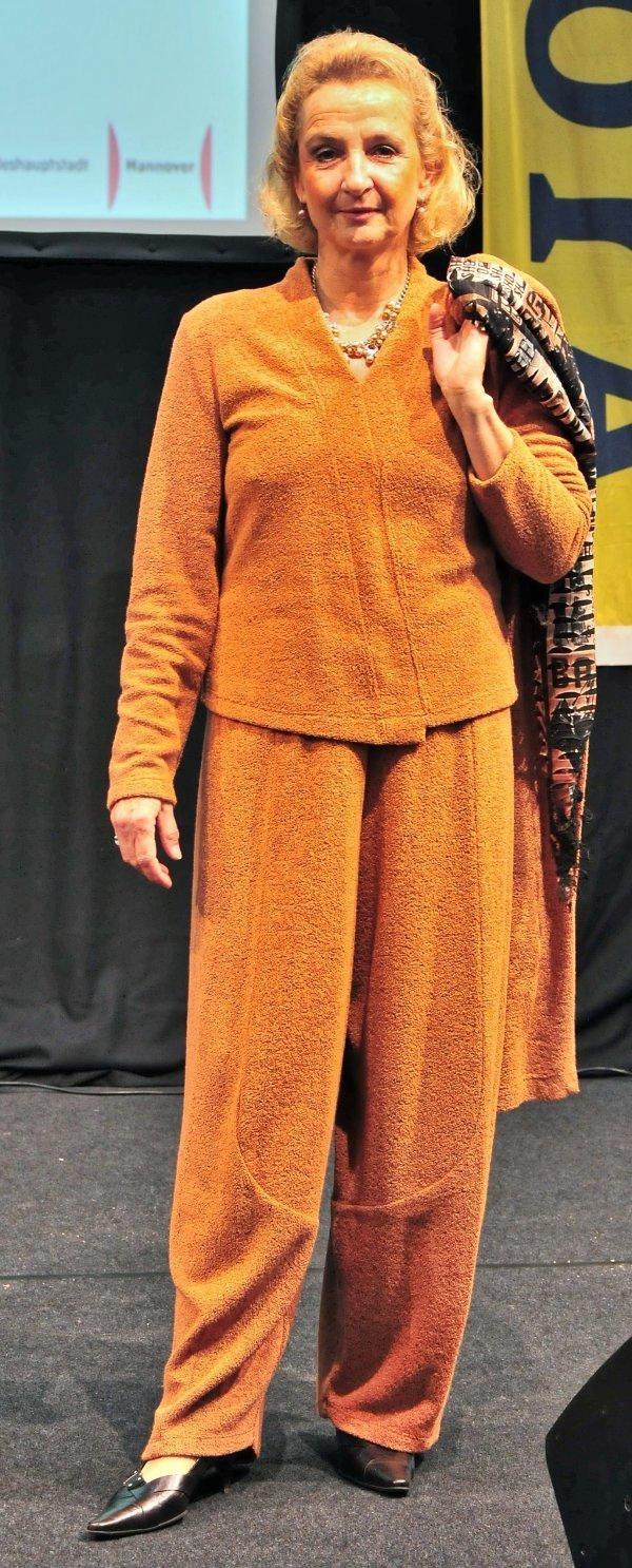 Marlenehose bzw. tulpenförmig geschnitten, Marke Krines Berlin